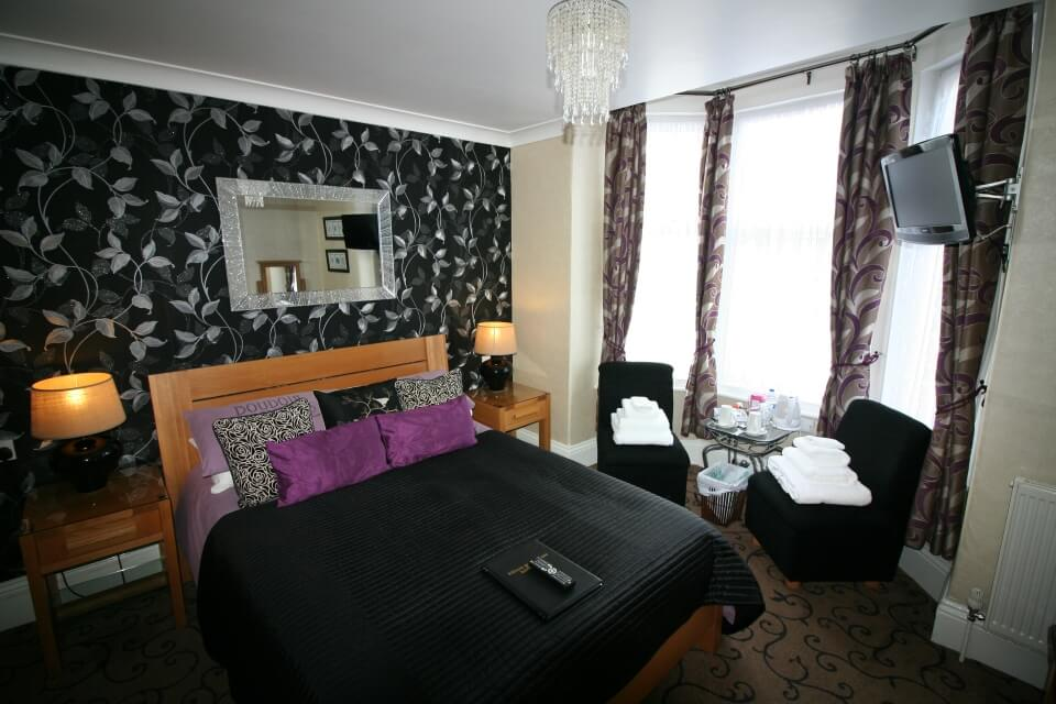 Kilburn Bridlington Double En-Suite Luxury Room
