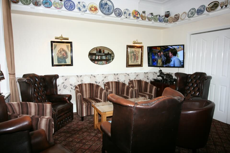Kilburn Bridlington Guest Lounge