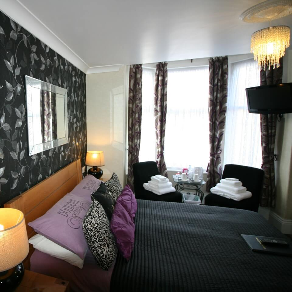 Kilburn-Bridlington-Guest-House-Room-1-Double-En-Suite