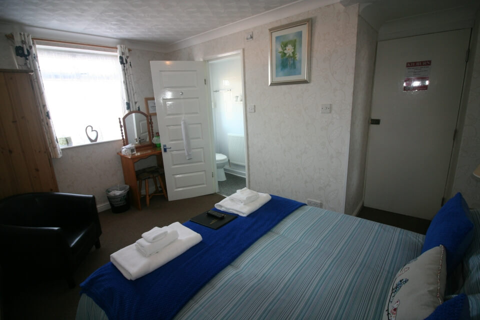 Kilburn Bridlington Double En-Suite